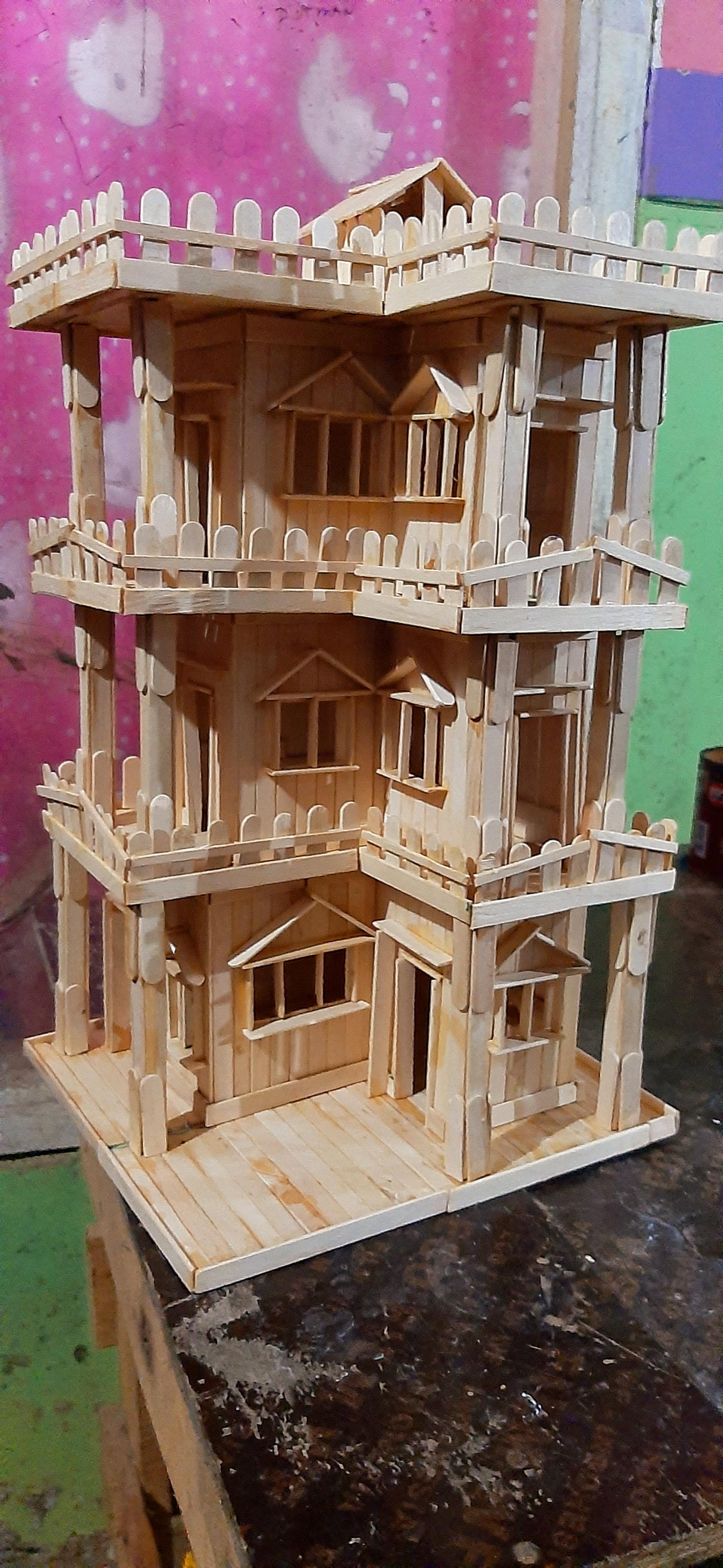 Miniatur rumah mewah